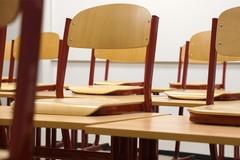 In arrivo nuovi banchi e sedie per le scuole di Barletta