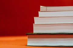 Libri scolastici, contributo fornitura per le scuole secondarie