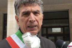 Assembramenti a palazzo di città a Trani, Cannito: «Sono solidale con il sindaco»