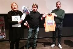 """Sos Profughi"", indumenti e scarpe grazie alla solidarietà di Barletta"