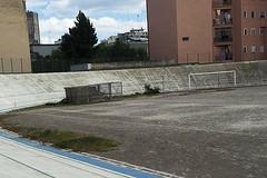 """Lo stadio """"Lello Simeone"""" sprofonda nel degrado"""