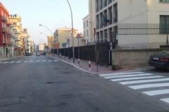 Riaprono le scuole a Barletta, in periferia lavori per le strisce pedonali