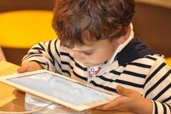 Insegnare la gentilezza ai più piccoli, anche online