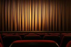 Riaprire non conviene, il Teatro Fantàsia: «Vi paghiamo noi il biglietto»