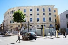 Vecchio ospedale in piazza Umberto, a dicembre i lavori di rimozione del cancello