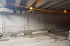 Piove nel sottovia Alvisi, infiltrazioni d'acqua sulle pareti