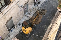Ruspa danneggia tubatura del gas, intervento in via Sant'Andrea