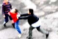 I nostri figli non possono più passeggiare senza essere aggrediti e malmenati