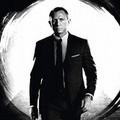 """Torna 007 con """"Skyfall"""" e compie mezzo secolo"""