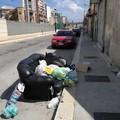 Spazzatura per strada, «la colpa è del degrado mentale degli incivili»