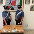 Aveva cocaina, tre cellulari e 250 euro: un uomo arrestato a Barletta