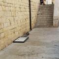 Ancora vandalismo alla Chiesa dei Greci, divelto il cartello turistico
