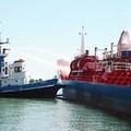 Brucia una nave nel porto di Barletta, ma è solo un'esercitazione