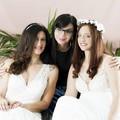 In abito bianco per uno shooting di moda, c'è anche la barlettana Vincenza Dinoia