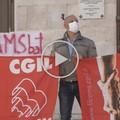 I lavoratori del multiservizi in piazza a Barletta: «Chiediamo un adeguamento retributivo»