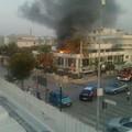 Fiamme all'Ipanema, grosso incendio sulla litoranea di Levante