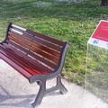 All'ombra del castello di Barletta una panchina rossa per le donne