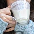 Latte caldo per i senzatetto di Barletta, notte di solidarietà