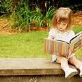"""""""Storie sotto l'albero """", le iniziative della biblioteca comunale per i più piccoli"""