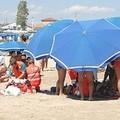 Colpito da malore in acqua a Barletta, muore un anziano