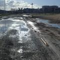 Lungodarsena di Barletta, un lettore: «Manto stradale pessimo»