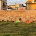 Mura del Carmine: «Un wc a cielo aperto tra tende e immondizia»