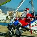 Letterine per Babbo Natale, a Barletta viaggeranno in deltaplano