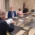 L'incontro con Papa Francesco e la donazione all'arcivescovo