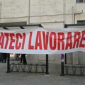 Il grido degli ambulanti: «Ci è stato proibito il diritto al lavoro!»
