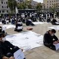 Il settore della ristorazione in piazza a Bari: «Abbiamo investito in sicurezza, lo Stato ci aiuti»