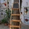 Disservizi al cimitero di Barletta, inutilizzabili le scale