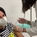 Vaccino anti-Covid, a Bari la seconda dose anche per la barlettana Lucilla Crudele