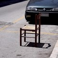 """Il """"posto fisso"""" dei parcheggiatori abusivi"""