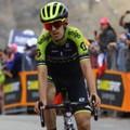 Simon Yates positivo al Covid. Il ciclista abbandona il Giro d'Italia