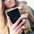 Si finge un passante e ruba cellulari: la segnalazione di un lettore
