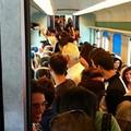 Treno regionale Bari-Barletta fermo tra Molfetta e Bisceglie, ci risiamo...