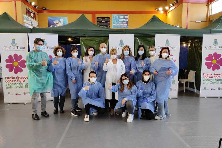 Equipe vaccinale hub di Trani