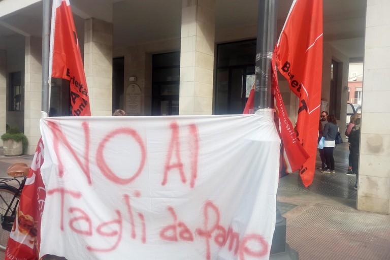 Refezione nelle scuole di Barletta, domani sciopero degli addetti