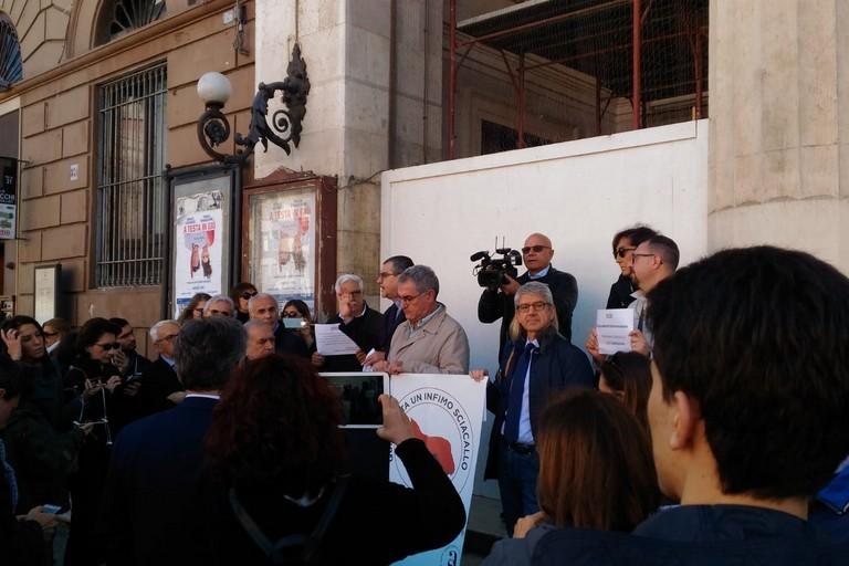 Flash Mob dei giornalisti pugliesi