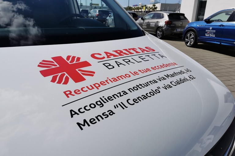 Alla Caritas Barletta un nuovo furgone per la raccolta degli alimenti