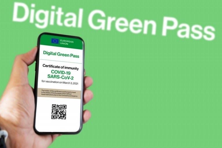 Green pass europeo, arriva la certificazione scaricabile dal 1° luglio