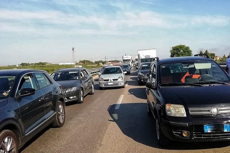 Traffico sulla SS16bis