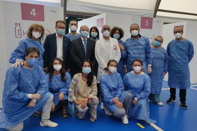Visita Damiani e Ronzulli presso l'hub vaccinale
