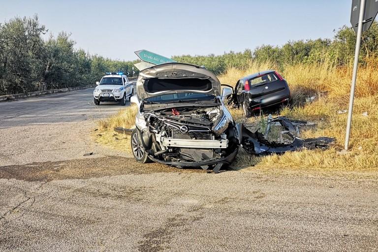 Incidente tra due auto sulla SP12