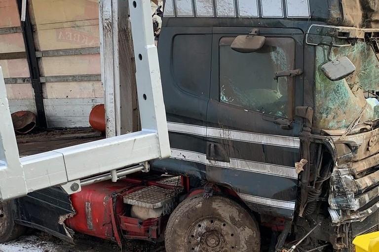Incidente camion carico di olive