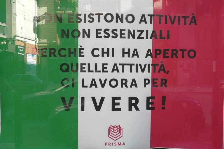 La protesta dei negozianti, il cartello