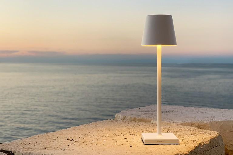 lampada ricaricabile stilosa madrigal