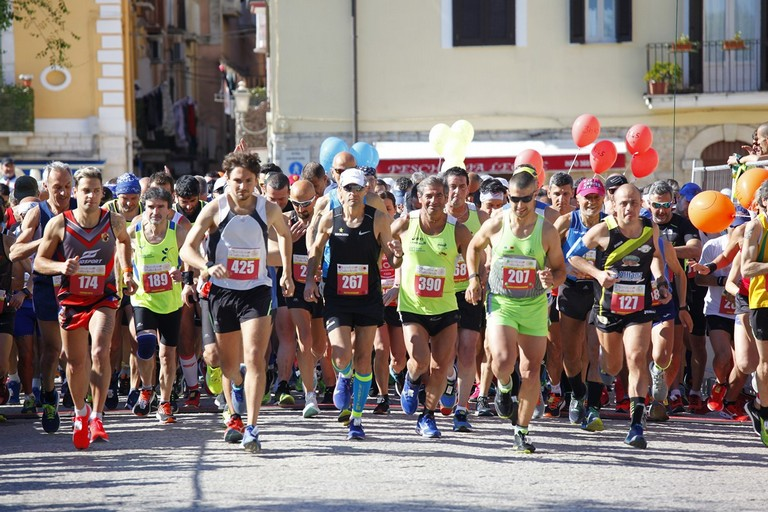 Maratona delle Cattedrali 2019, la partenza. <span>Foto Mario Sculco</span>