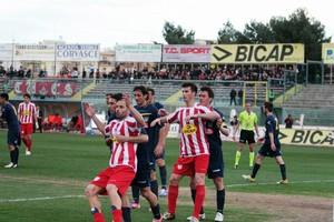 Calcio, buon pareggio per il Barletta contro il Frosinone