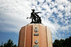 Fieramosca monumento nuvole